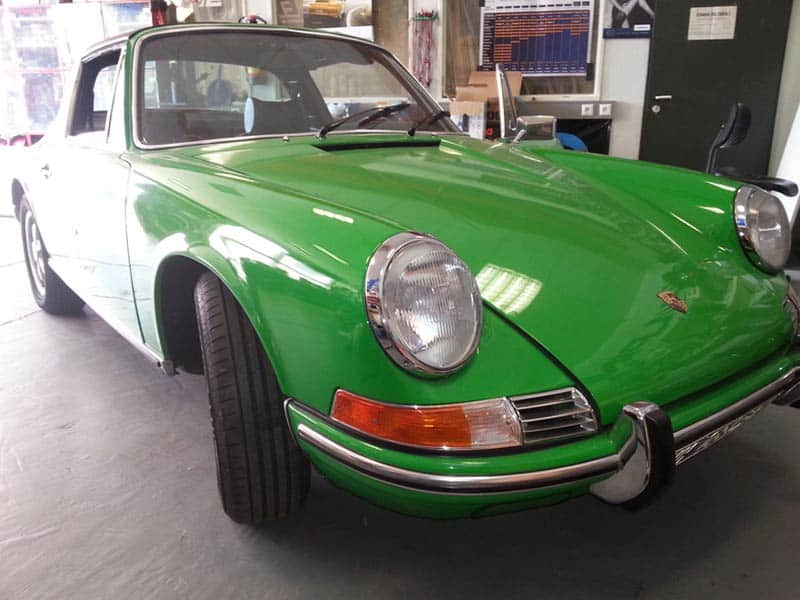 Porsche 911 Targa Car-HiFi Einbaubeispiel Autoradio
