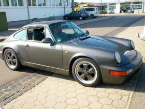 Porsche 964 Car-HiFi Autoradio Einbaubeispiel