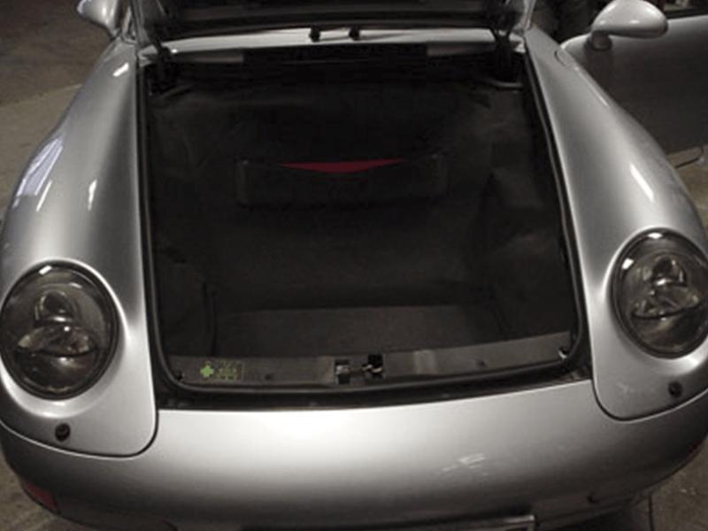Auto HiFi Einbaubeispiel im Porsche Cabrio