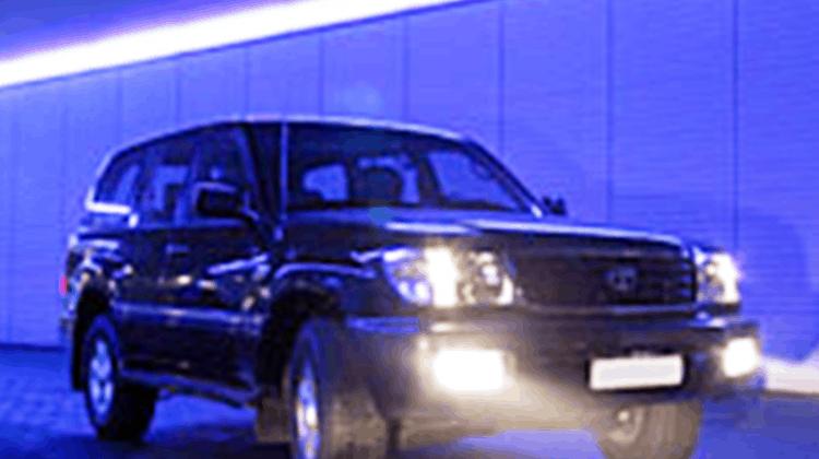Toyota Landcruiser Car-HiFi Einbaubeispiel von Finsterwalder Elektronik