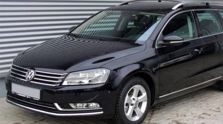 VW Passat Kombi Car-HiFi Autoradio Einbaubeispiel