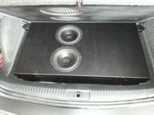 Auto HiFi Einbaubeispiel im VW Polo R6