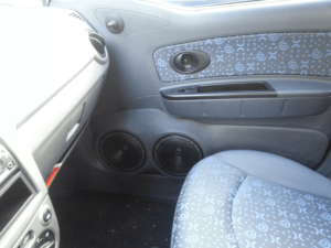 Car HiFi Einbaubeispiel im Chevrolet Matiz