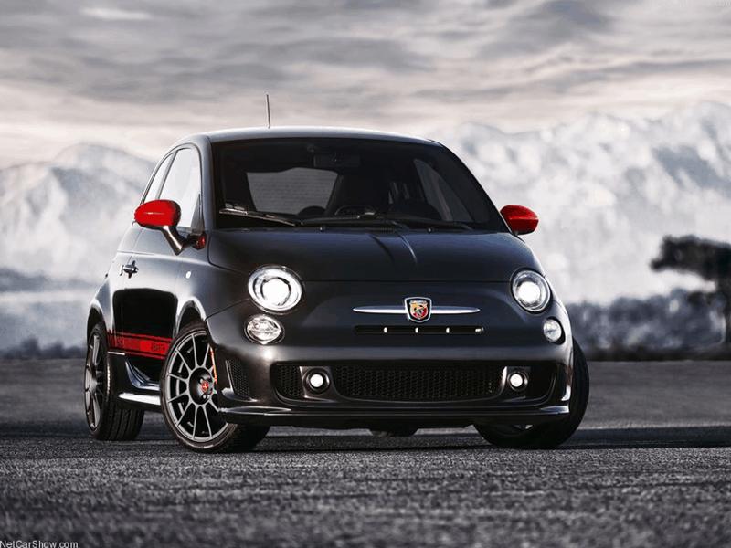 Fiat 500 Car-HiFi Einbaubeispiel von Finsterwalder Elektronik