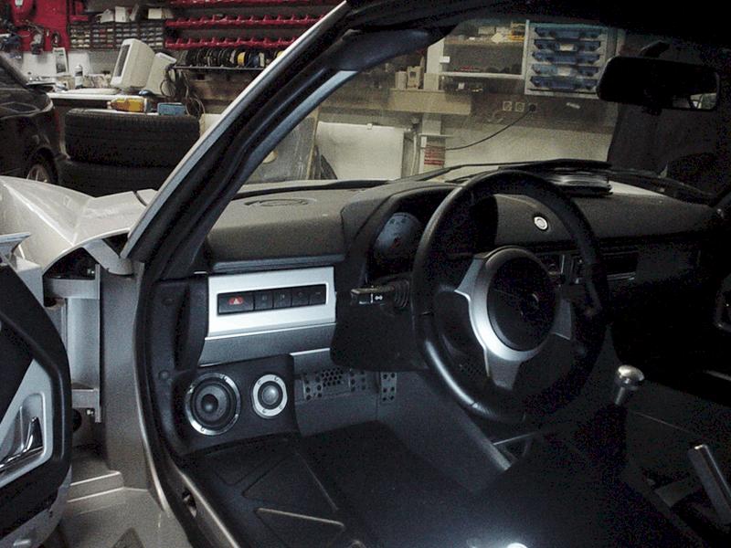 Auto HiFi Einbaubeispiel im Opel Speedster