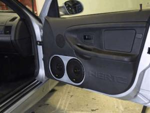 Alpine HiFi Einbaubeispiel im BMW E36