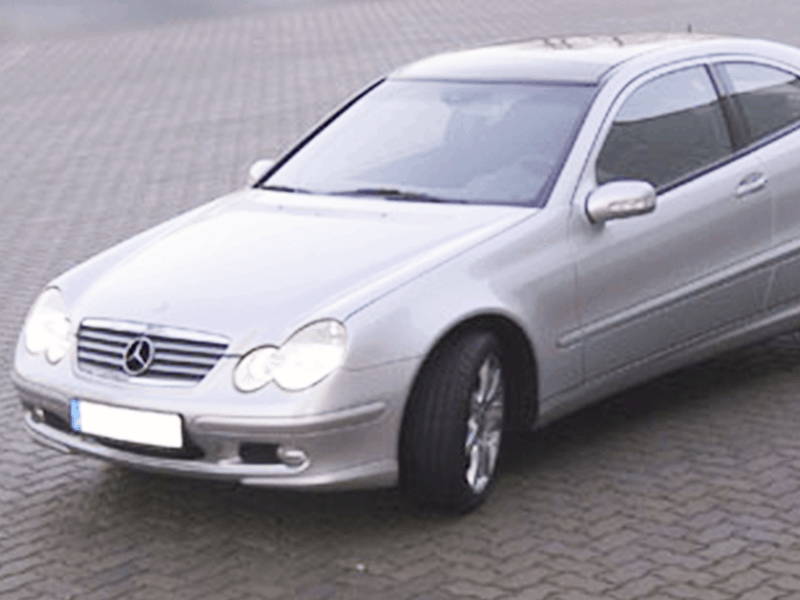 Mercedes Benz Coupe Car-HiFi Einbaubeispiel von Finsterwalder Elektronik